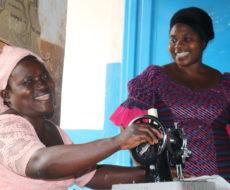 KAVUMU : Formation de quelques 15 enseignants et acteurs de développement sur la couture confection des serviettes hygiéniques