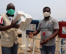 Covid-19 :  Remise de 200 tests rapides antigéniques covid-19 et 3 dispositifs de lavage des mains au Bureau de l'hygiène aux frontières Kavimvira par AFPDE asbl